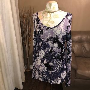 NWOT Simply Vera Large Floral Blouse